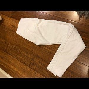 White lululemon leggings